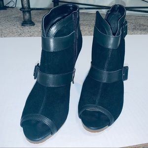 Gently worn (once) peep toe booties